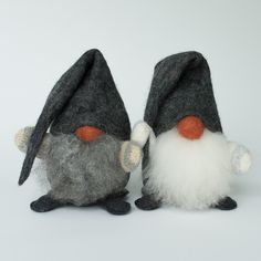Lill-Claes Wool Gnome by Asas Tomtebod, handmade in Sweden. Choose from red or grey hat. Quilted Christmas Ornaments, Handmade Christmas Decorations, Christmas Gnome, Christmas Projects, Holiday Crafts, Christmas Ideas, Swedish Christmas, Scandinavian Christmas, Gnome Hat