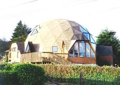 geodesic home. i will live in one someday!