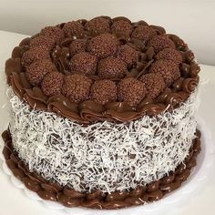Chocolate Naked Cake, Chocolate Fudge Frosting, Chocolate Desserts, Köstliche Desserts, Delicious Desserts, Dessert Recipes, Just Cakes, Cakes And More, Pastry Cake