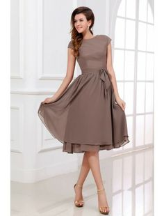 A-Line/Princess Scoop Neck Knee-Length Chiffon Bridesmaid Dress With Bow. JJsHouse -- if I were to do a shorter bridesmaid dress, this would be an option Mob Dresses, Lace Dresses, Pretty Dresses, Beautiful Dresses, Short Dresses, Dresses With Sleeves, Formal Dresses, Short Sleeves, Bride Dresses