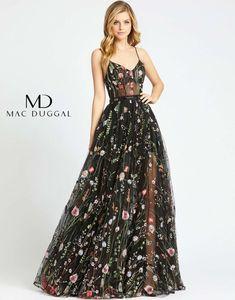 Floral Prom Dresses, Pretty Prom Dresses, Royal Dresses, Floral Gown, Grad Dresses, Plus Dresses, Homecoming Dresses, Beautiful Dresses, Long Formal Dresses