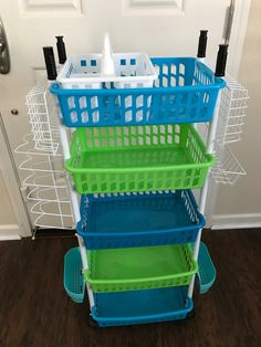 Home decor kitchen This is by far my favorite DIY mutlipurpose organizer because it offers a lot of Dollar Tree Organization, Small Space Organization, Home Organization Hacks, Organizing Life, Dollar Tree Decor, Dollar Tree Crafts, Dollar Tree Finds, Craft Room Storage, Diy Storage