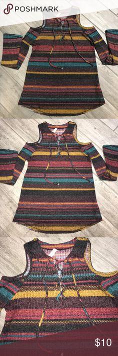 Elan | Boho lace up cold shoulder striped knit top In excellent condition. Size small. Elan Tops