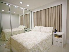 Inspire-se com quartos cheios de charme e personalidade e confira diferentes linhas decorativas que podem ser adotadas no seu quarto de casal dos sonhos.