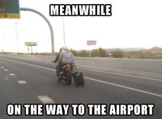 On The Way To The Airport funny lol humor funny pictures funny memes funny pics funny images really funny pictures funny pictures and images Funny Shit, Haha Funny, Funny Cute, Funny Stuff, Freaking Hilarious, Seriously Funny, Memes Humor, Funny Memes, Dry Humor