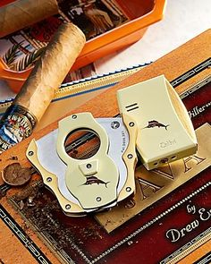 Tommy Bahama - Cigar Cutter and Lighter Set. Tommy Bahama is one of the classiest brands in my opinion. Whisky, Cigars And Whiskey, Cuban Cigars, Cigar Accessories, Smoking Accessories, Tobacco Pipe Smoking, Cigar Smoking, Cigar Art, Cigar Club