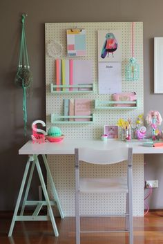 Bondville: Flexible kid's study space with pegboard A good source of ideas for my pegboard desk storage solution Kids Study Spaces, Kids Study Desk, Kid Desk, Kids Rooms, Kids Desk Space, Boy Rooms, Kids Study Table Ideas, Small Spaces, Teen Desk