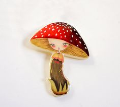 Collana del fungo o spilla.  Realizzato in acrilico crema. Glassa di porcellana.  Disegno di Laliblue originale. Bronzo di spilla.   Dimensioni: 7 x 5 cm Lunghezza collana: 70 cm