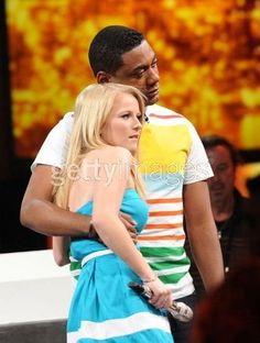 Hollie och Joshua dating Beverly Hills 90210 dating