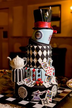 Alice in Wonderland-Themed Wedding Cake