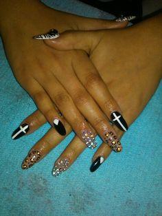 Stiletto nails black with white cross triangle chetta print and diamond <3