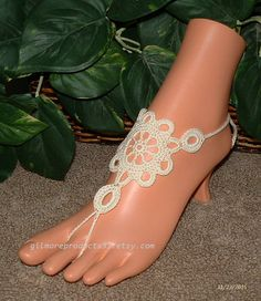 The perfect Ivory Lace Anklets for those Beach Wedding shoes. #1628 Lace Barefoot Sandals * You will receive 2 pieces (1 left and 1 right) Crochet Barefoot Sandal * Custo... #etsy