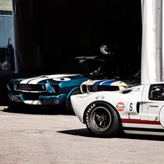🏆 🅱️efore Italian/German/English etc there were these warriors. Ford Gt40, Ford Mustang, Us Cars, Race Cars, Shelby Gt350r, Muscle Cars, German English, Henry Ford, Ford Motor Company