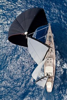 "manofthemmnt: "" Notice the crew lying on deck """