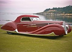 Delahaye 1939...This car looks Deco to me, but it may be considered Moderne.