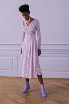 Stine Goya Copenhagen Spring 2021 collection, runway looks, beauty, models, and reviews. Runway Fashion, Fashion News, Spring Fashion, High Fashion, Fashion Show, Fashion Looks, Fashion Design, Fashion Trends, Woman Fashion