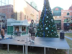 Here Comes Santa Claus, Violet performs for PRS