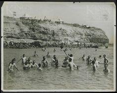 Anzak Koyunda Avusturalya'lı ve Yeni Zelanda'lı askerler denize giriyorlar gelibolu 1915