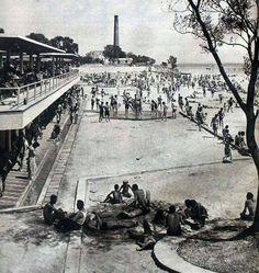 Bakırköy baruthane plajı 1957 Old Pictures, Old Photos, Istanbul Pictures, Turkey History, Istanbul City, History Photos, Historical Pictures, Best Cities, Paris Skyline