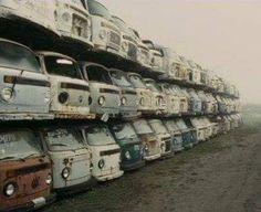 Volkswagen auto - sad picture, parts now Volkswagen Transporter, Vw T3 Syncro, T3 Vw, Transporter T3, Volkswagen Jetta, Bus Camper, Vw Bus T2, Vw Caravan, Combi Ww