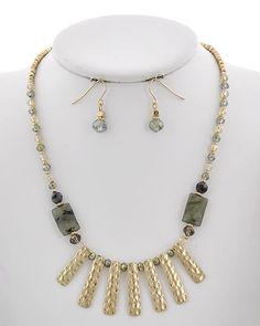 Matte Gold Tone / Olive Stone / Ab Green Glass Crystal / Lead&nickel Compliant / Metal / Fish Hook (earrings) / Necklace & Earring Set