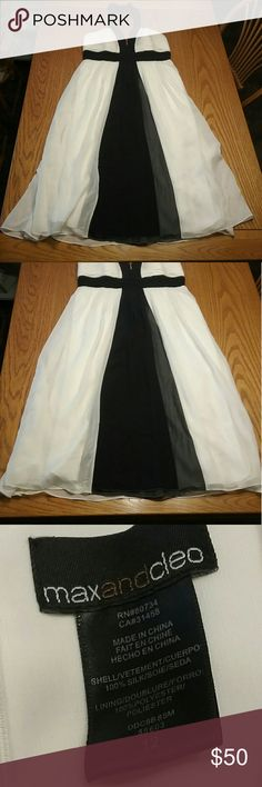 Max and cleo black and white halter dress size 12 Bust 16in Length 41in In good condition The white is a off-white Insert bra padded Max & Cleo Dresses Midi