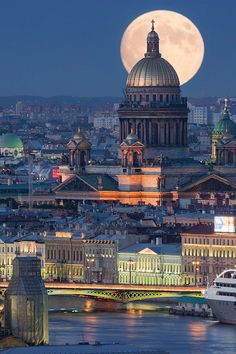 Saint Isaac's Cathedral, Saint Petersburg, Russia!