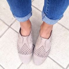 these are the perfect summer slip-ons! #Shoes #SummerStyle #Regram