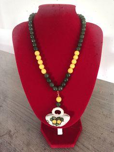 bb5a308ae302 Collana pietre dure colorate con ciondolo borsetta in ceramica siciliana di  Caltagirone