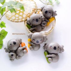 13.6 тыс. отметок «Нравится», 128 комментариев — Little Miss Bento・Shirley シャリー (@littlemissbento) в Instagram: «Another steam bun idea for you! Black Sesame Koala baos hugging little sausages.  Yes, those are…»