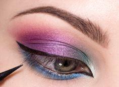 Krok za krokom: Farebná explózia - KAMzaKRÁSOU.sk #kamzakrasou #sexi #love #make-up #dyi #diy #make-up #tutorials #eyes #eyes-tutorials #beauty #cosmetics #eyes-shadow #maskara #licenie #liner