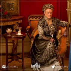 A glorious snap of the Dowager Countess of Grantham