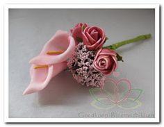 Bruidsboeket en corsage maken www.goedkoop-bloemschikken.nl
