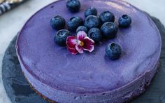 <p>This silky blueberry cashew cake calls for only a few ingredients and no baking at all! </p>