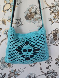 Lace skull bag - free crochet pattern by Kajsa Hubinette / Stitches and Supper.