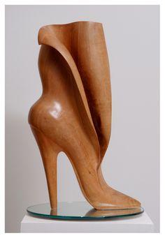 Elona Bennett - Sculptor... @ivannairem .. https://tr.pinterest.com/ivannairem/wooden-everything/