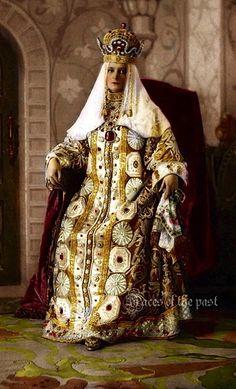 Tsarina Alexandra Fyodorovna Romnova of Russia (1872-1918).
