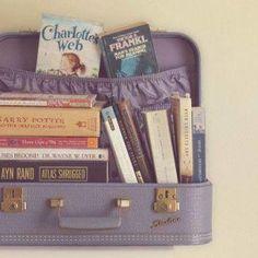 Turismo letterario: in viaggio sulle orme dei libri