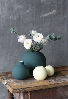 Home Decor Inspiration .Home Decor Inspiration Room Accessories, Decorative Accessories, Vases Decor, Table Decorations, Deco Floral, Flower Vases, Flowers, Cheap Home Decor, Home Decor Inspiration