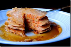 carrot cake pancakes - yum!! iowagirleats.com (best food blog - and she's a valley girl too :) Carrot Cake Pancakes, Easy Carrot Cake, Carrot Top, Brunch Recipes, Breakfast Recipes, Breakfast Time, Cookies Et Biscuits, Sweet Tooth, Food And Drink