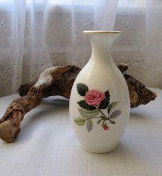 """Wedgwood Bone China - Bud Vase - 5"""" / 12.5 cm - Hathaway Rose - Vintage"""