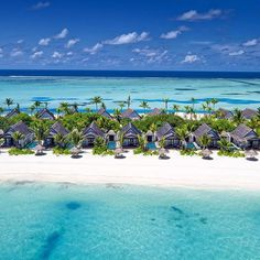 White sand and crystal-clear waters (: @ismailniyaz) #beautifulhotels