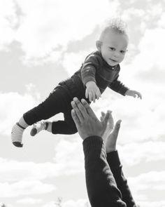 Flying Photography, Lifestyle Photography, Children Photography, Family Photography, Photography Poses, Baby Photos, Family Photos, Your Photos, Toddler Fashion