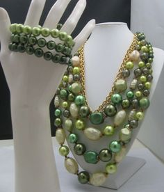 Marvella Green faux Pearl Necklace Bracelet
