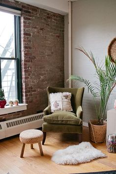 Move Loot — Easy Furniture Buying & Moving Service @refinery29