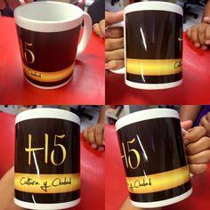 Sabemos que una taza  va más allá de recipiente; pensando más en grande también sería una excelente idea para dar difusión a tu empresa con tazas que lleven tu marca sobre ellas, te parece la idea?  #Litek #ExpertosEnImpresión #PiensaRojo