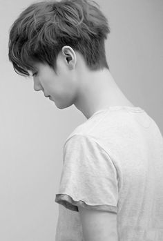 """Exo - Luhan """"Well dayum. His neck is long lol that's what she said."""""""