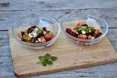 The Recipe Suitcase - Beet Salad with Chickpeas, Feta and CIlantro - Rote Bete Salat mit Kichererbsen, Schafskäse und Koriander