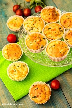 muffins-cu-dovlecei,-porumb-si-ardei Baby Food Recipes, Healthy Recipes, Muffins, Canapes, Vegetable Recipes, Quiche, Cantaloupe, Risotto, Pineapple