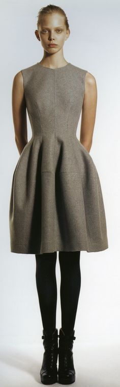Jill Sander. Please and thank you.